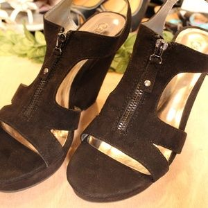 Carlos Santana Black Suede Open Toe Wedge Heels